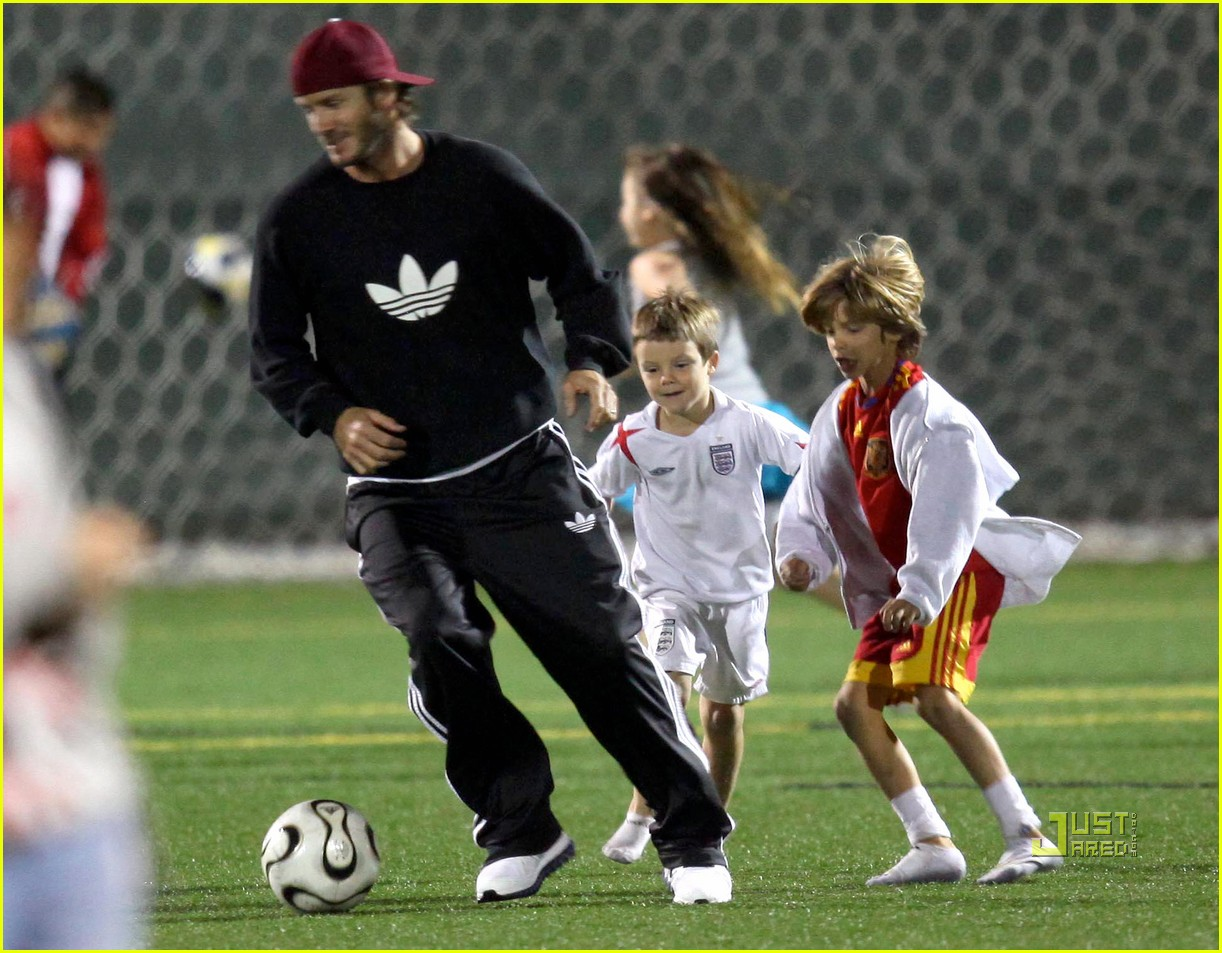 david beckham boys soccer game 012486229