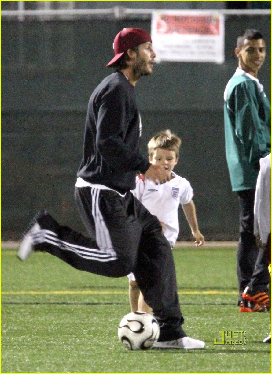 david beckham boys soccer game 092486237