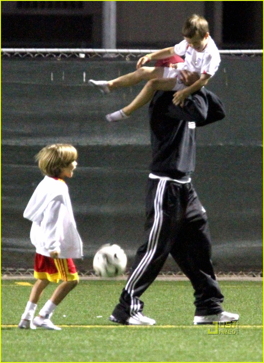 david beckham boys soccer game 102486238