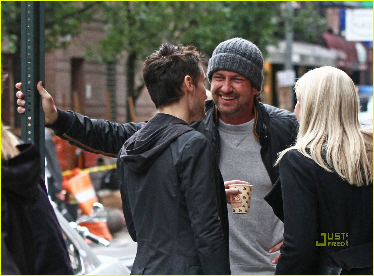 gerard butler laughing with leto 02