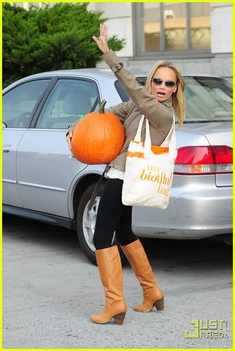 kristin chenoweth petite pumpkin picker 042485526