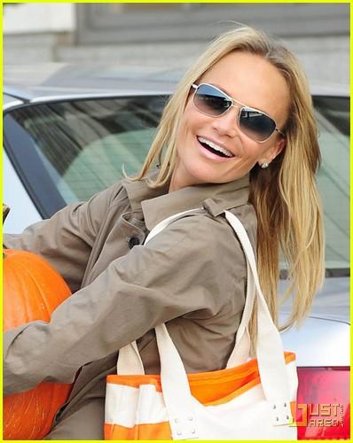 kristin chenoweth petite pumpkin picker 052485527