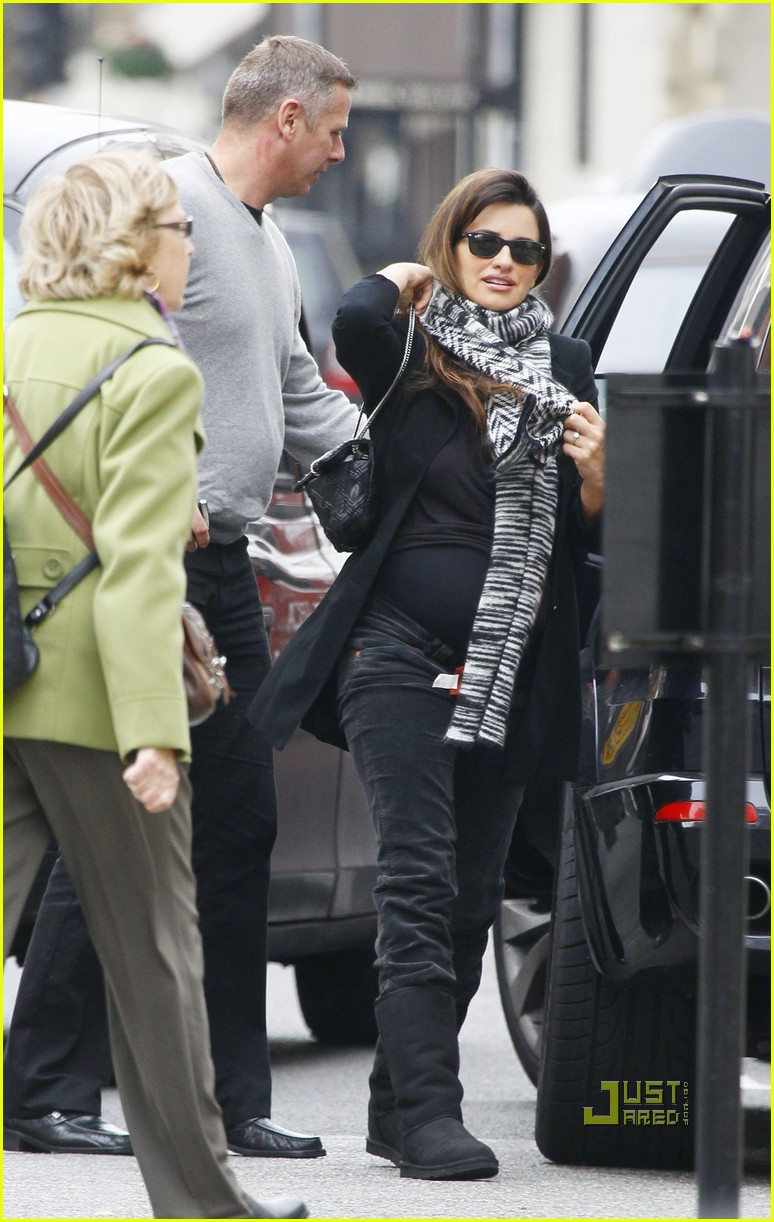 penelope cruz london lunch date 082491366
