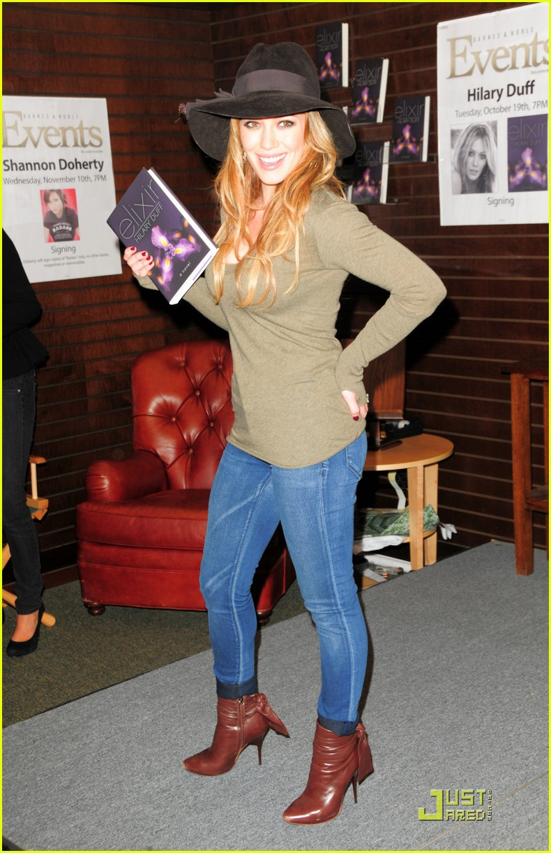 hilary duff book signing sweetie 062488852