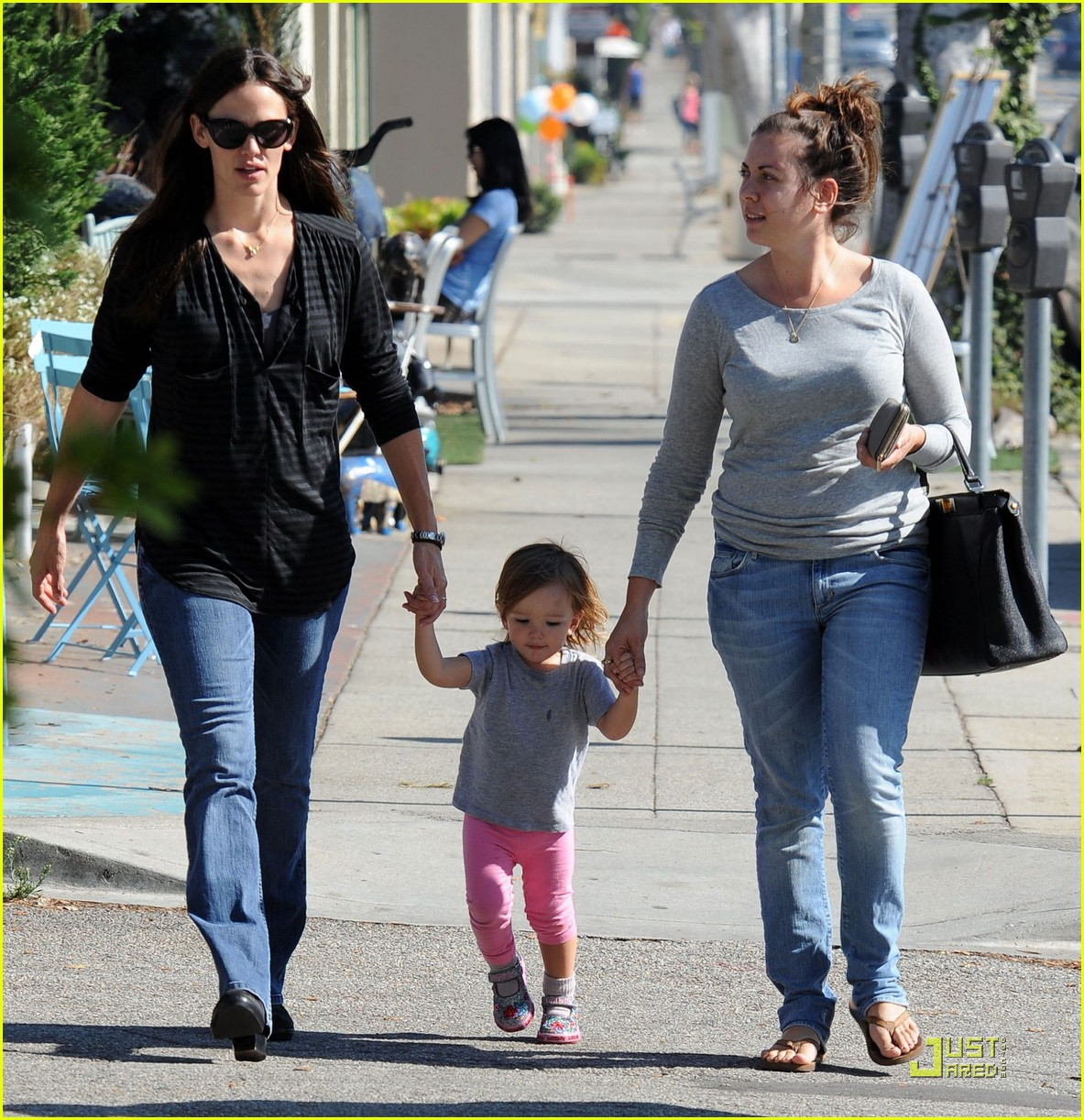 jennifer garner is a mighty mom 022486919