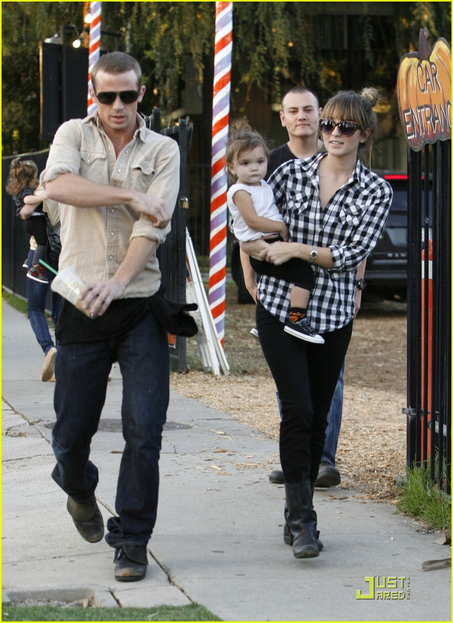 cam gigandet visits a pumpkin patch 102491006