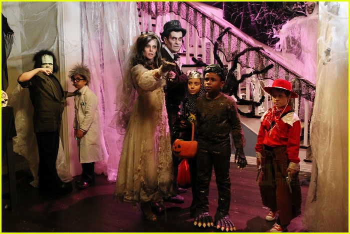 modern family halloween episode 012485619