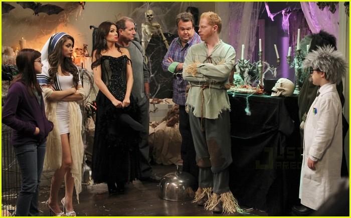 Modern Family: Halloween Episode Stills!: Photo 2485627 ...