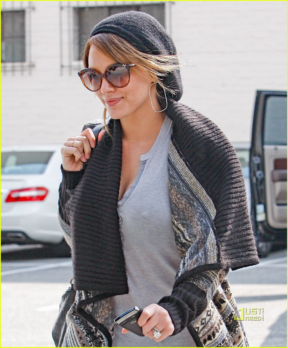 Hilary Duff Helps Nick Zano Shop For Engagement Ring?