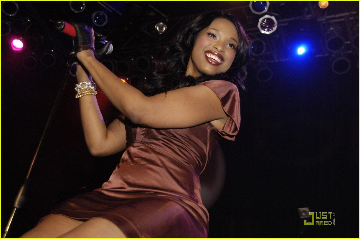 jennifer hudson michigan avenue anniversary 162485155