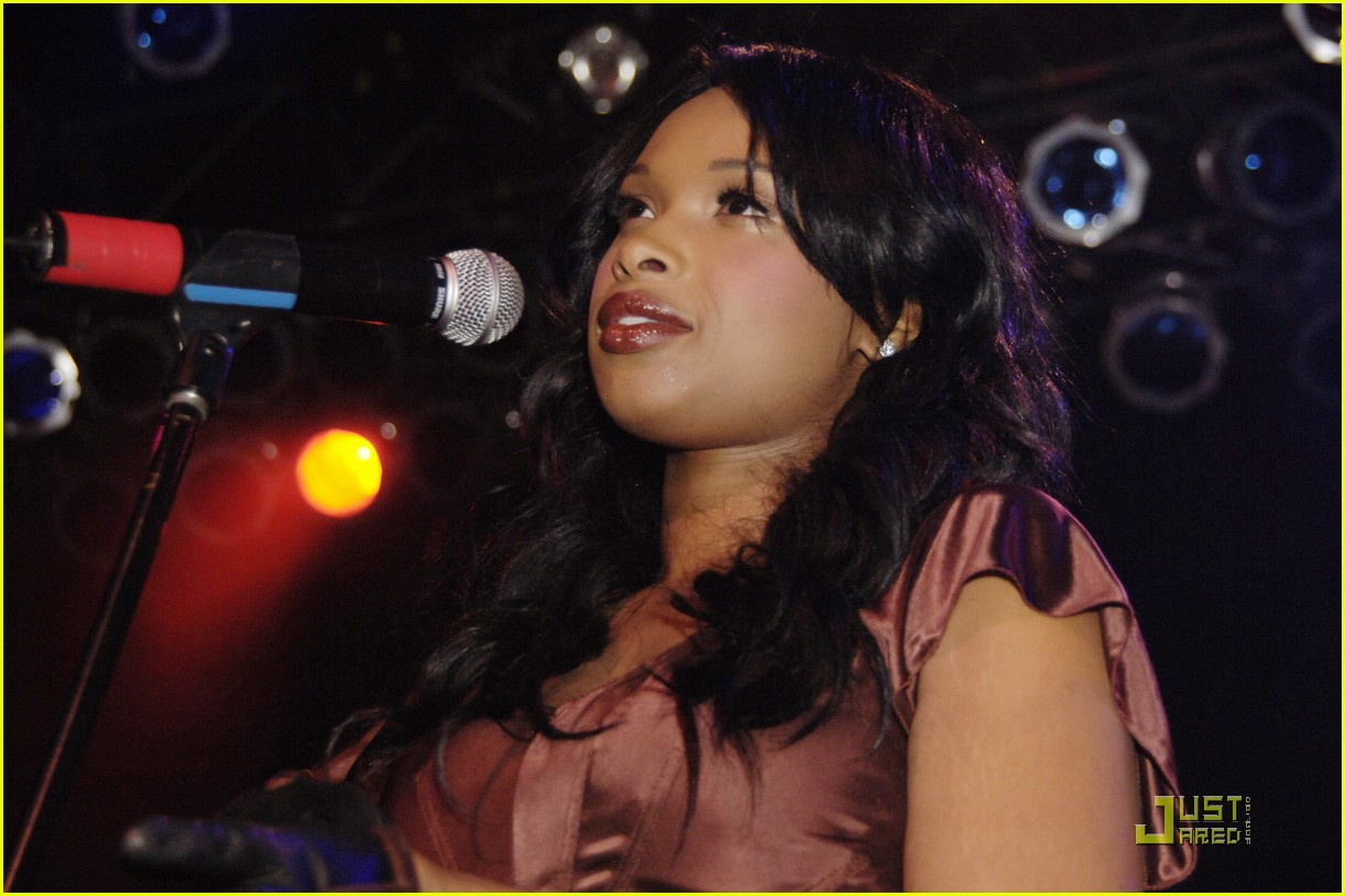 jennifer hudson michigan avenue anniversary 172485156