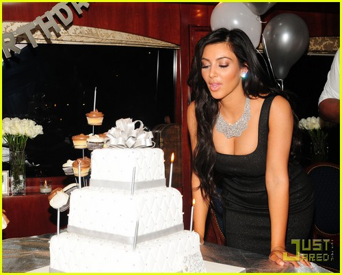 Kanye West Kim Kardashian S Birthday Boy Photo 2489363