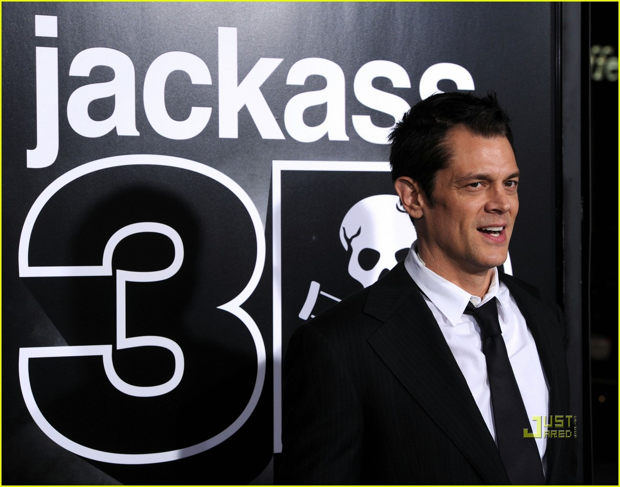 jackass 3d tops box office 012488055