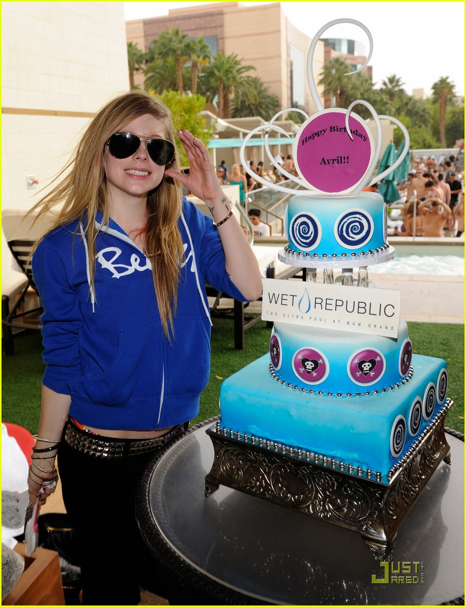 avril lavigne birthday 162484548