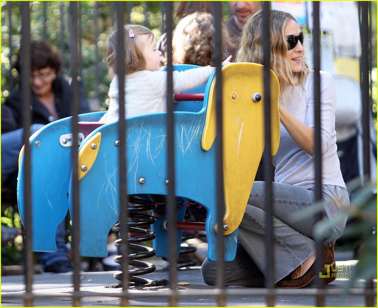 sarah jessica parker matthew broderick park playtime twins 042486482