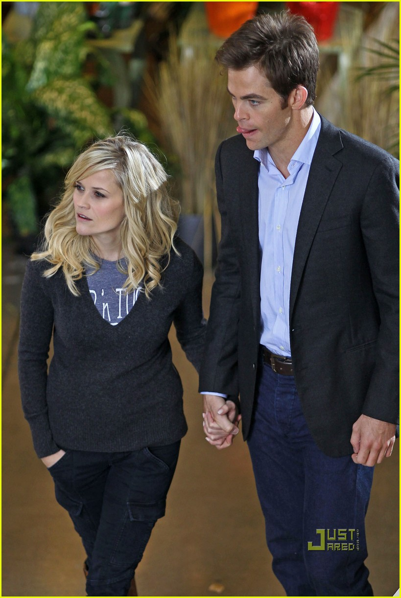 Reese Witherspoon & Chris Pine: Holding Hands on Set! Reese Witherspoon