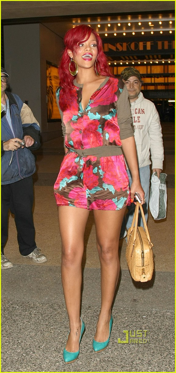rihanna mtv studios fan friendly 032491304