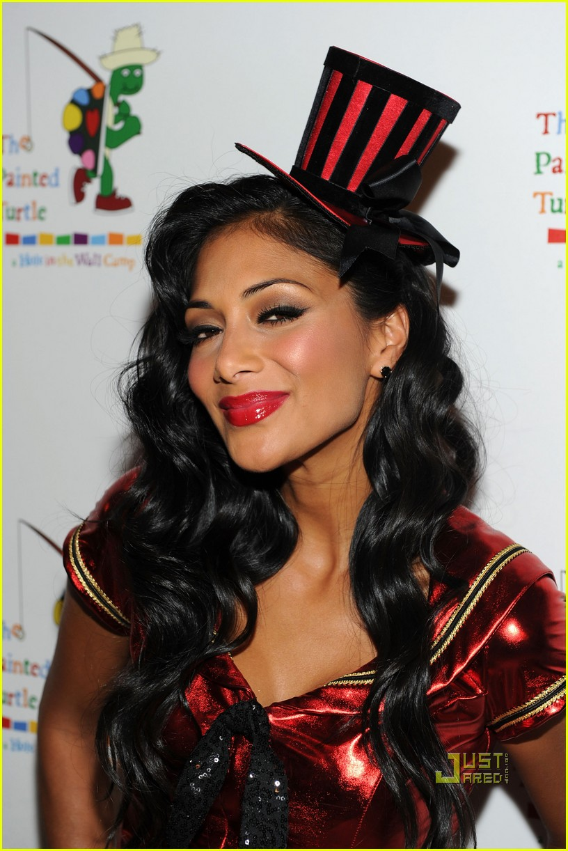 nicole scherzinger men in black 3 betty white 07