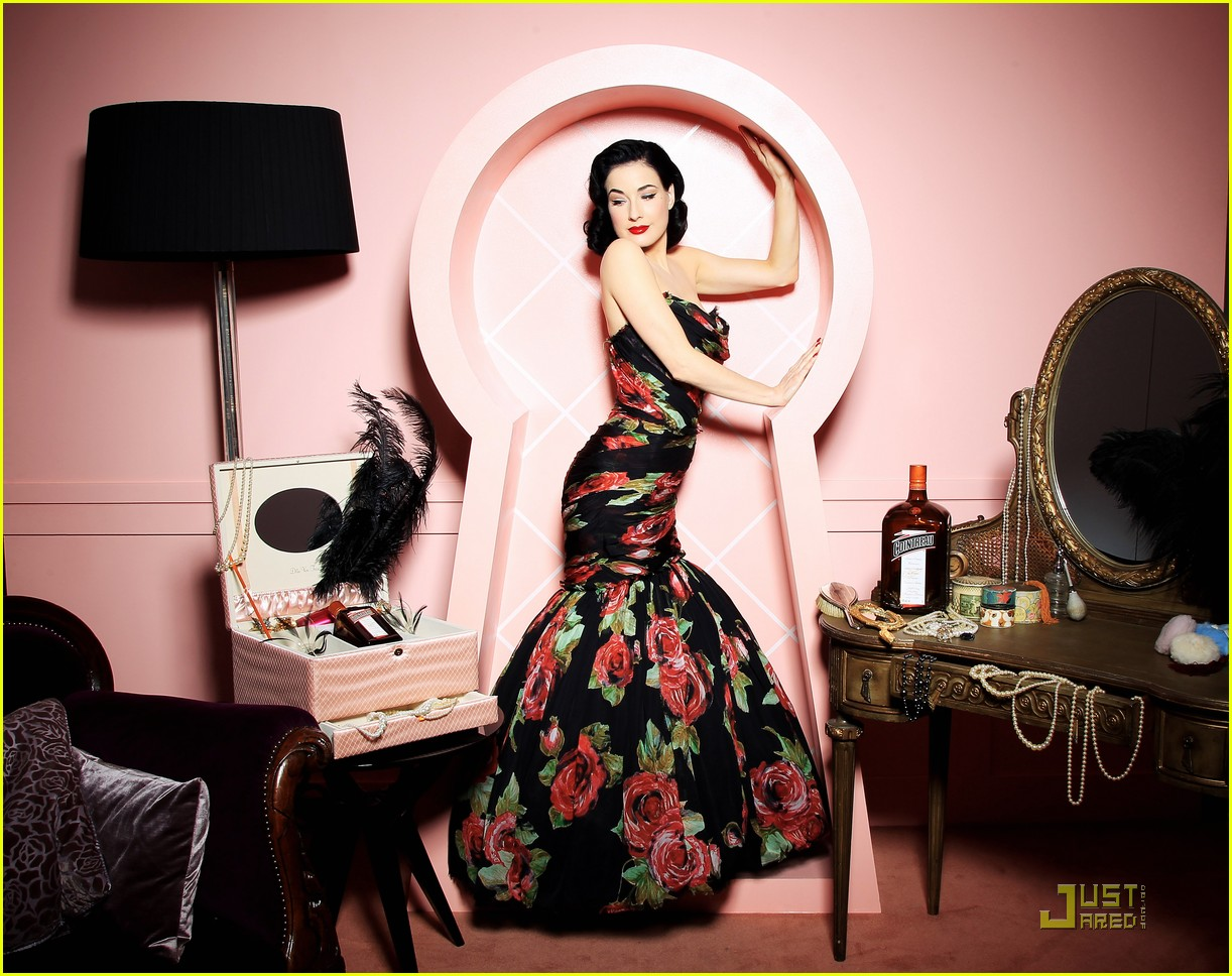 dita von teese gets private cointreau 09