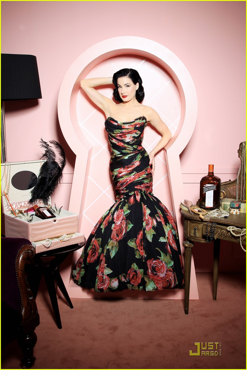 dita von teese gets private cointreau 112489176