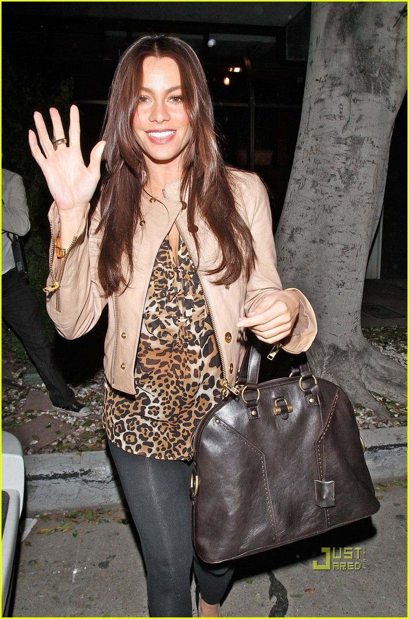 sofia vergara date night with injured nick loeb 03