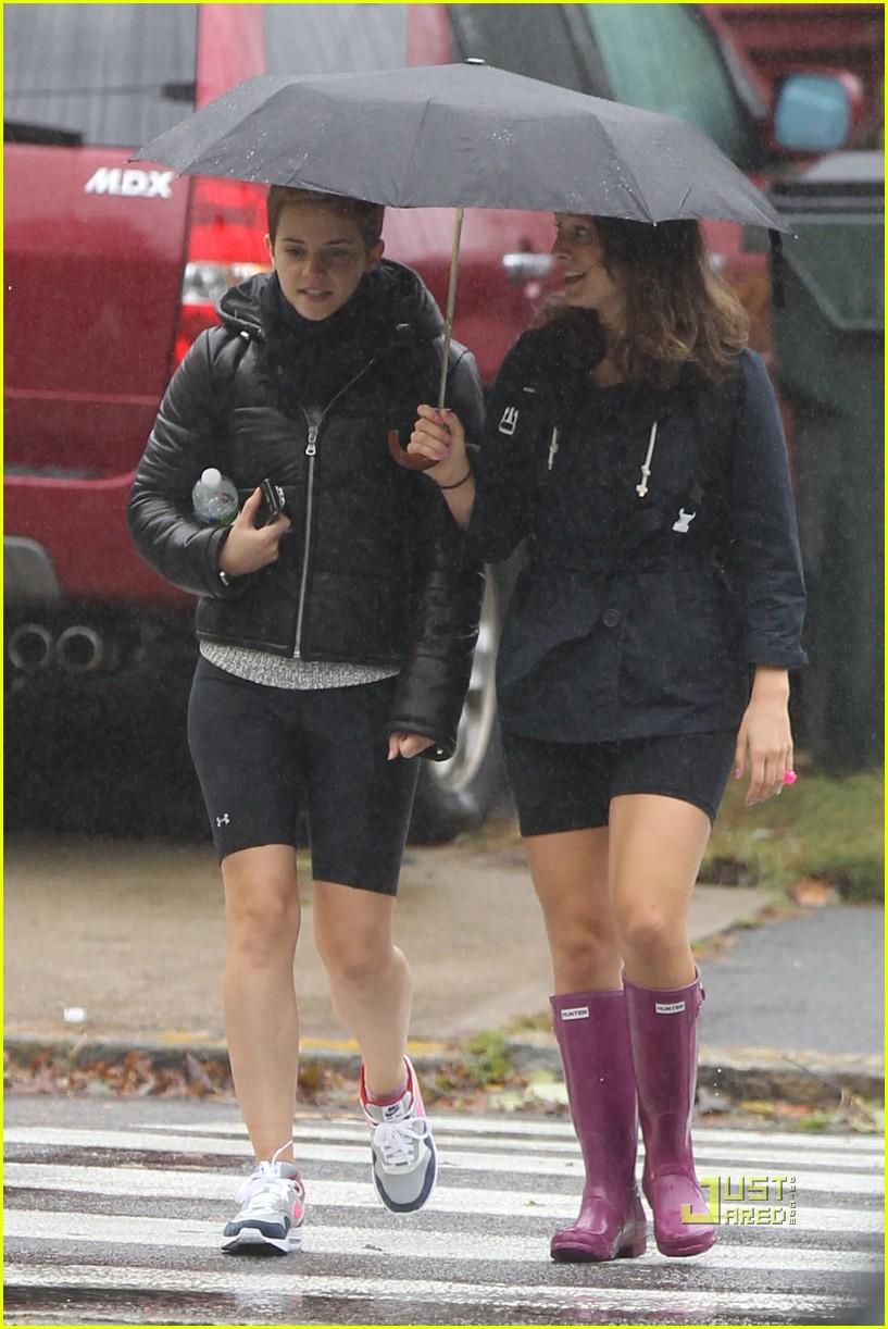 emma watson rainy workout 032485804