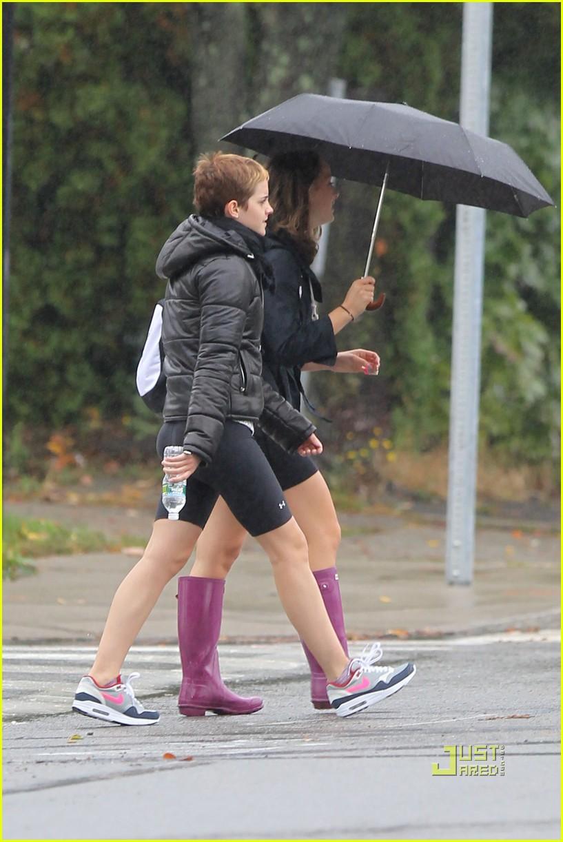 emma watson rainy workout 042485805