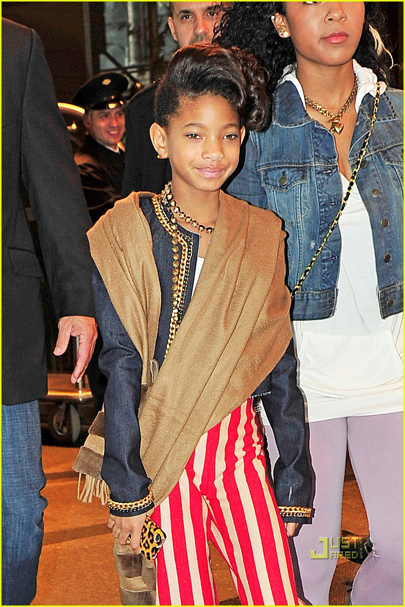 Willow Smith Reveals Halloween Costume  sc 1 st  Just Jared & Willow Smith Reveals Halloween Costume: Photo 2488692 | Willow Smith ...