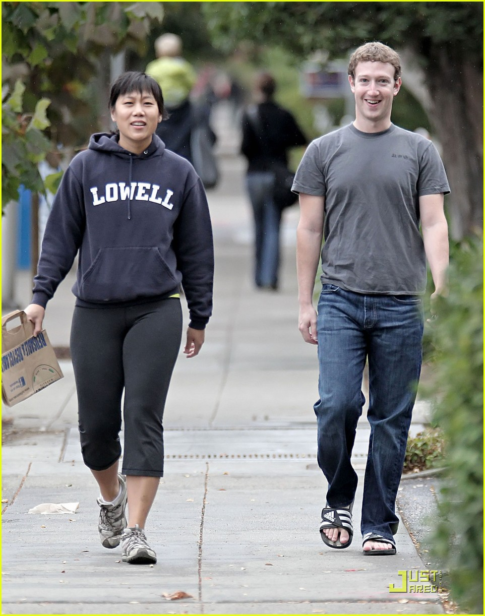 mark zuckerberg goes for a sunday stroll 042488249