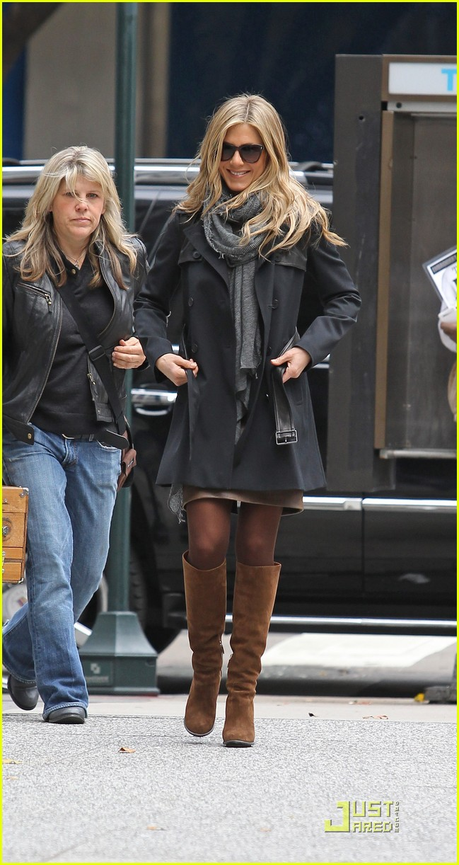 jennifer aniston boots 102497099