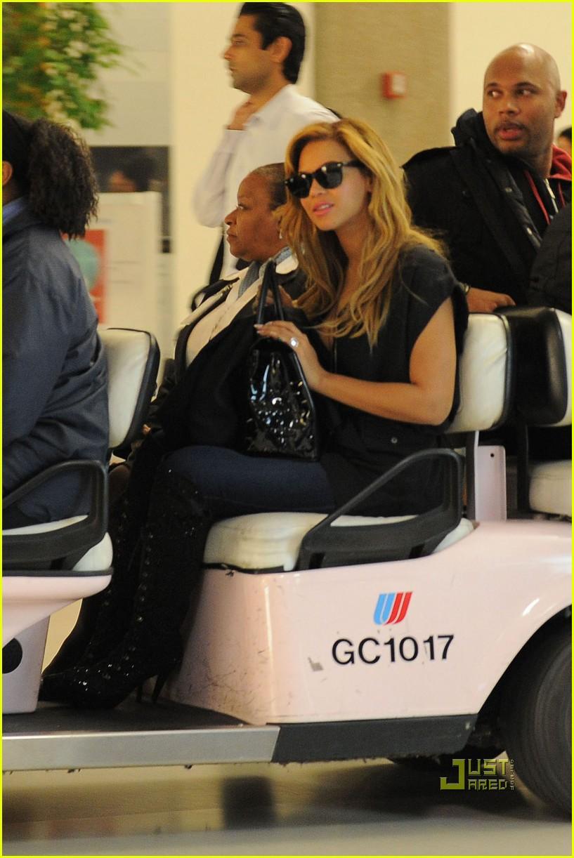 beyonce kim kardashian first class flight 02