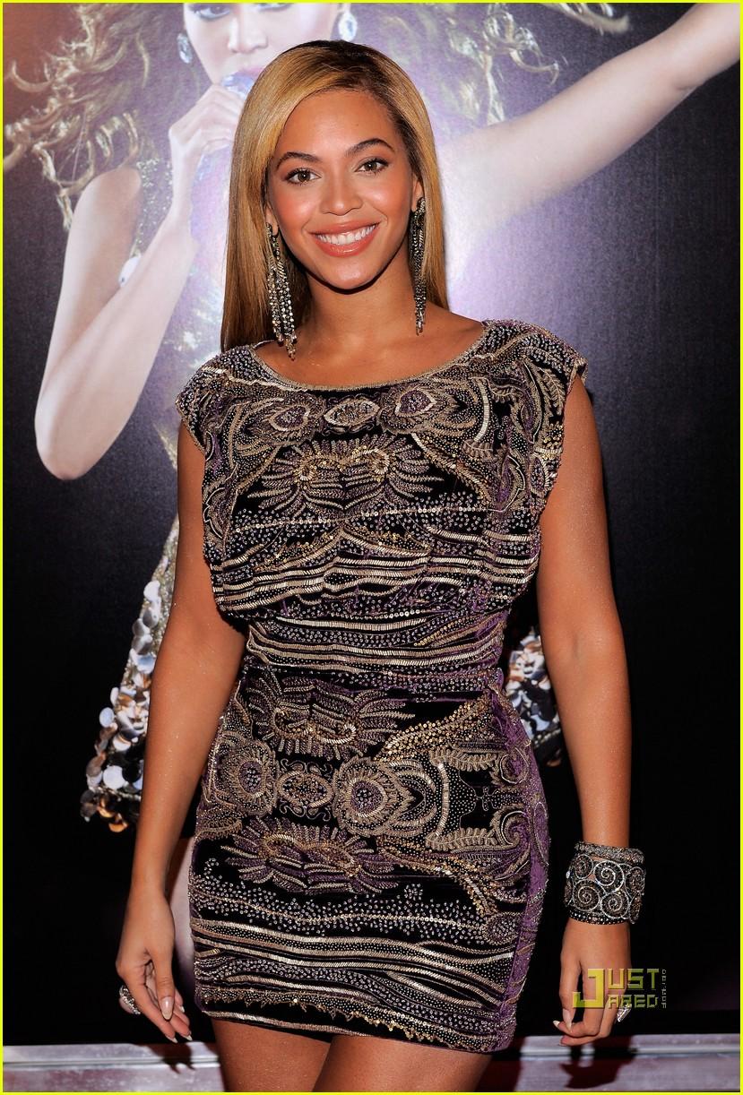 Full Sized Photo Of Beyonce I Am World Tour Screening 05
