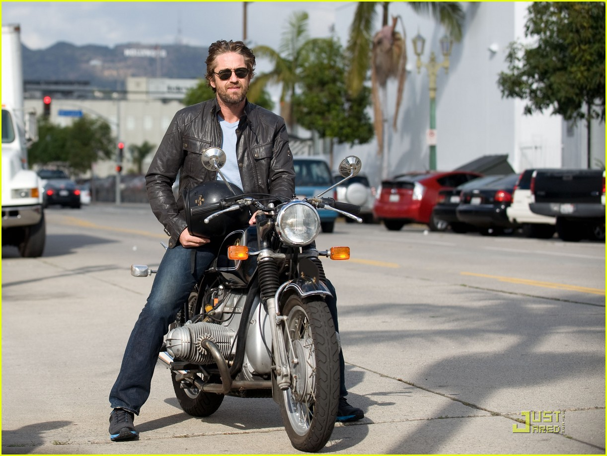 Gerard Butler Motorcycle Man Photo 2498322 Gerard