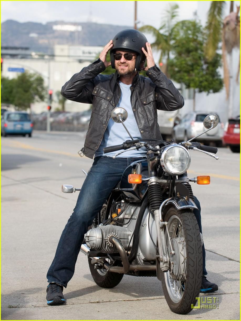 Gerard Butler: Motorcy... Gerard Butler
