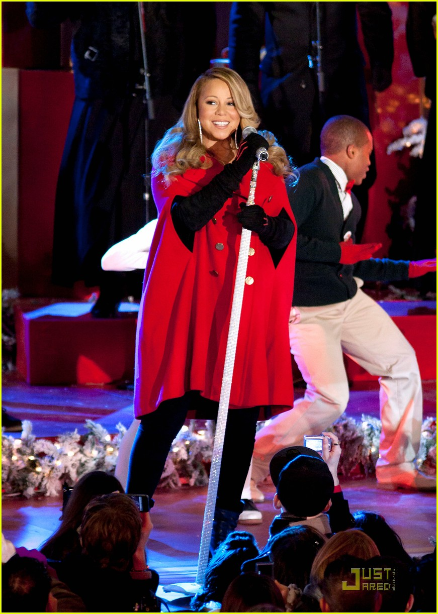 mariah carey snoopy 132496993