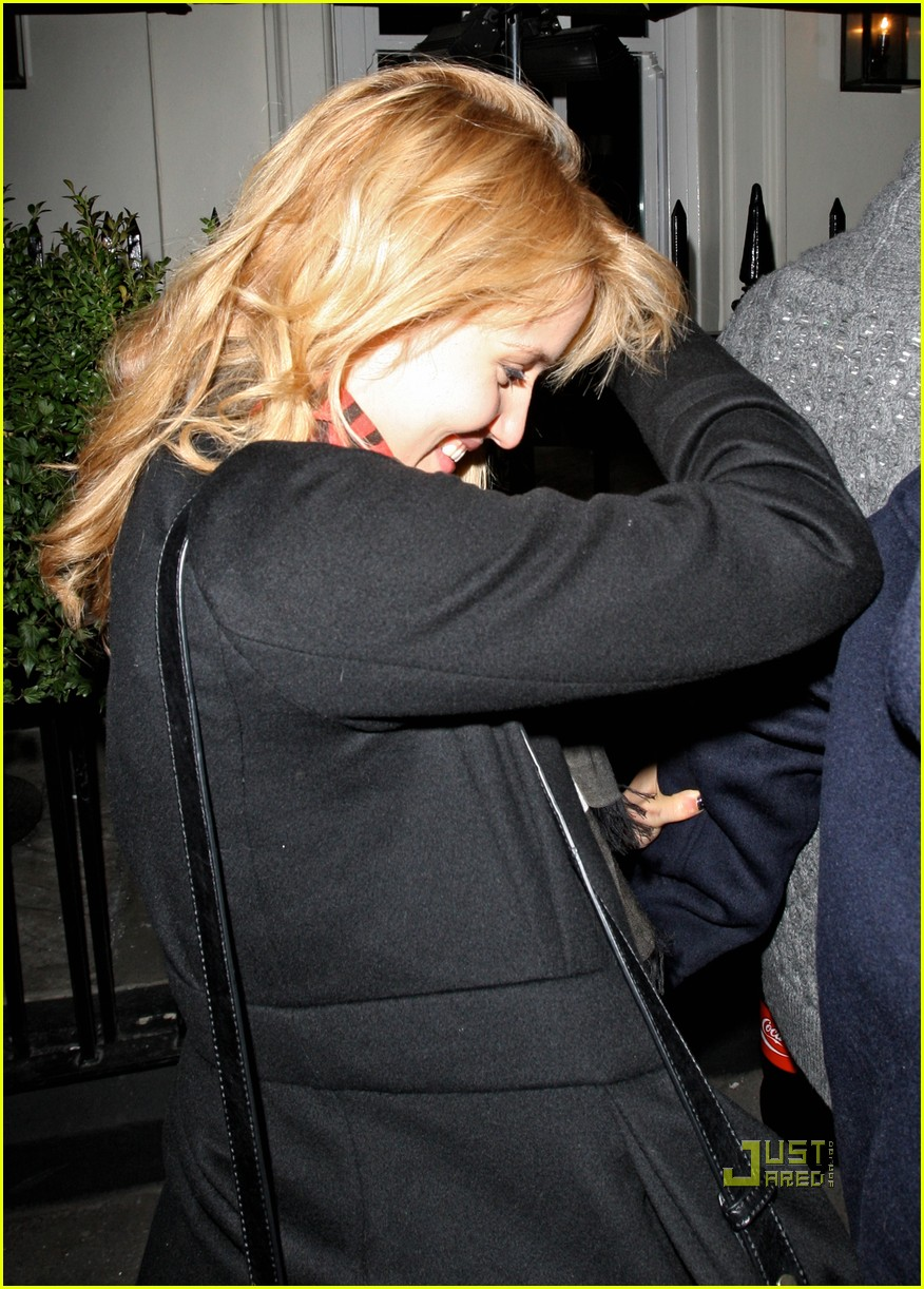 dianna agron alex pettyfer thanksgiving 022498679