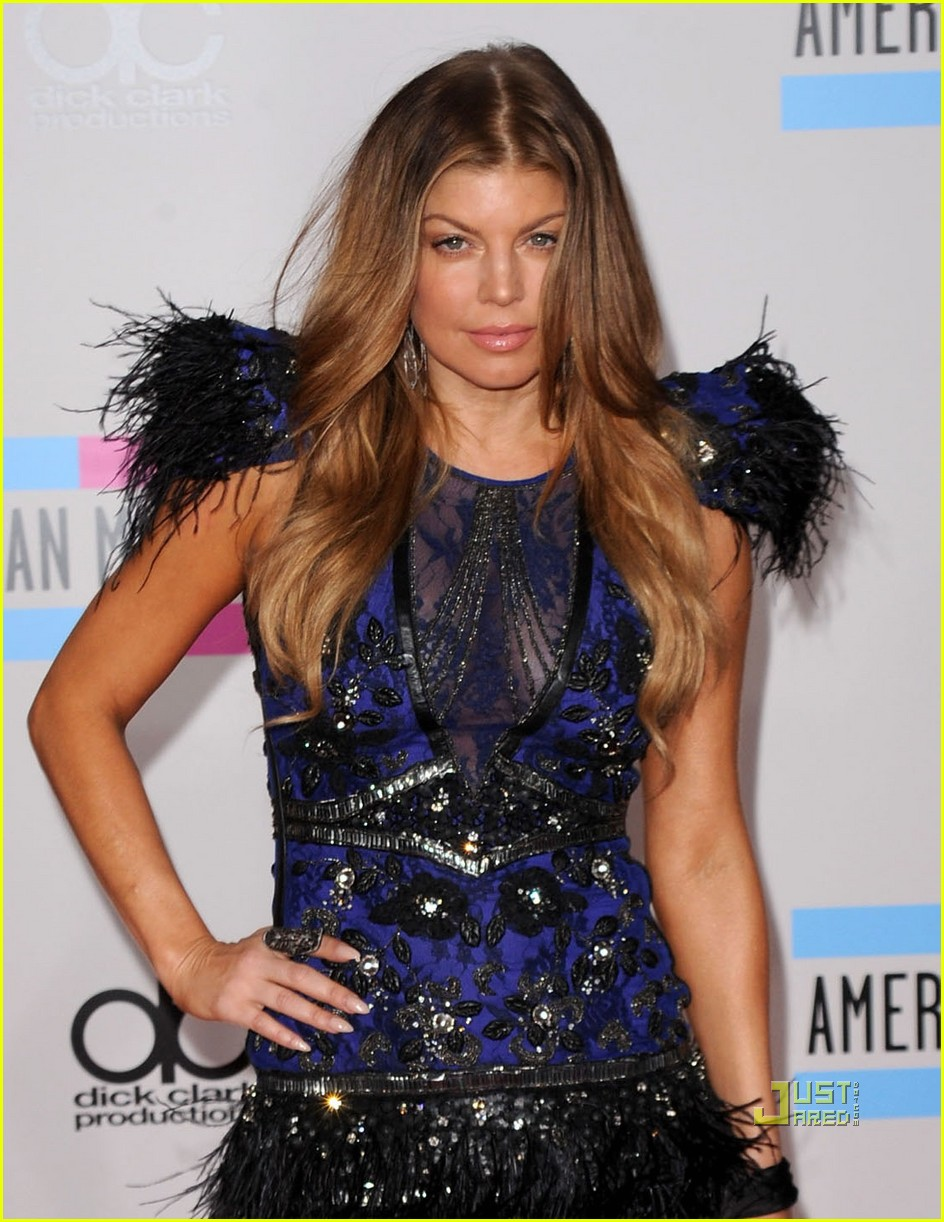 fergie amas red carpet 2010 01