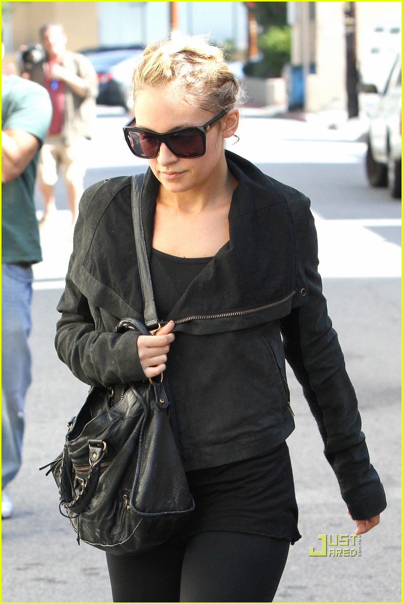 nicole richie ashley greene gym studio city 092493403