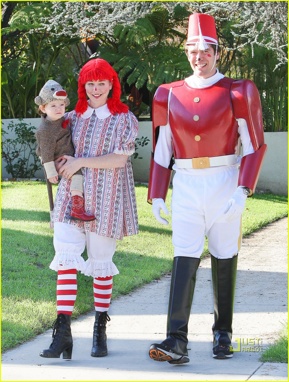 alyson hannigan satyana halloween sock monkey 12