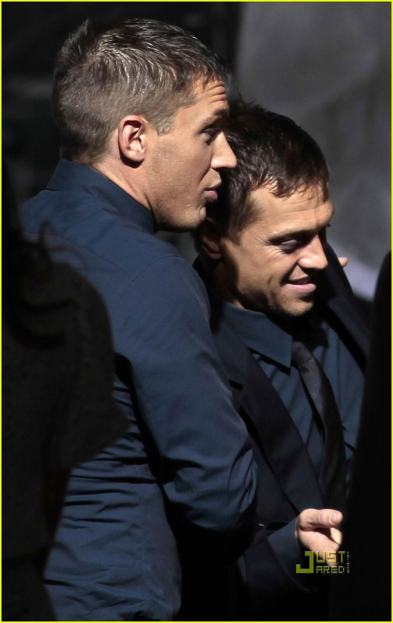 tom hardy chris pine bloody bruised for war 01