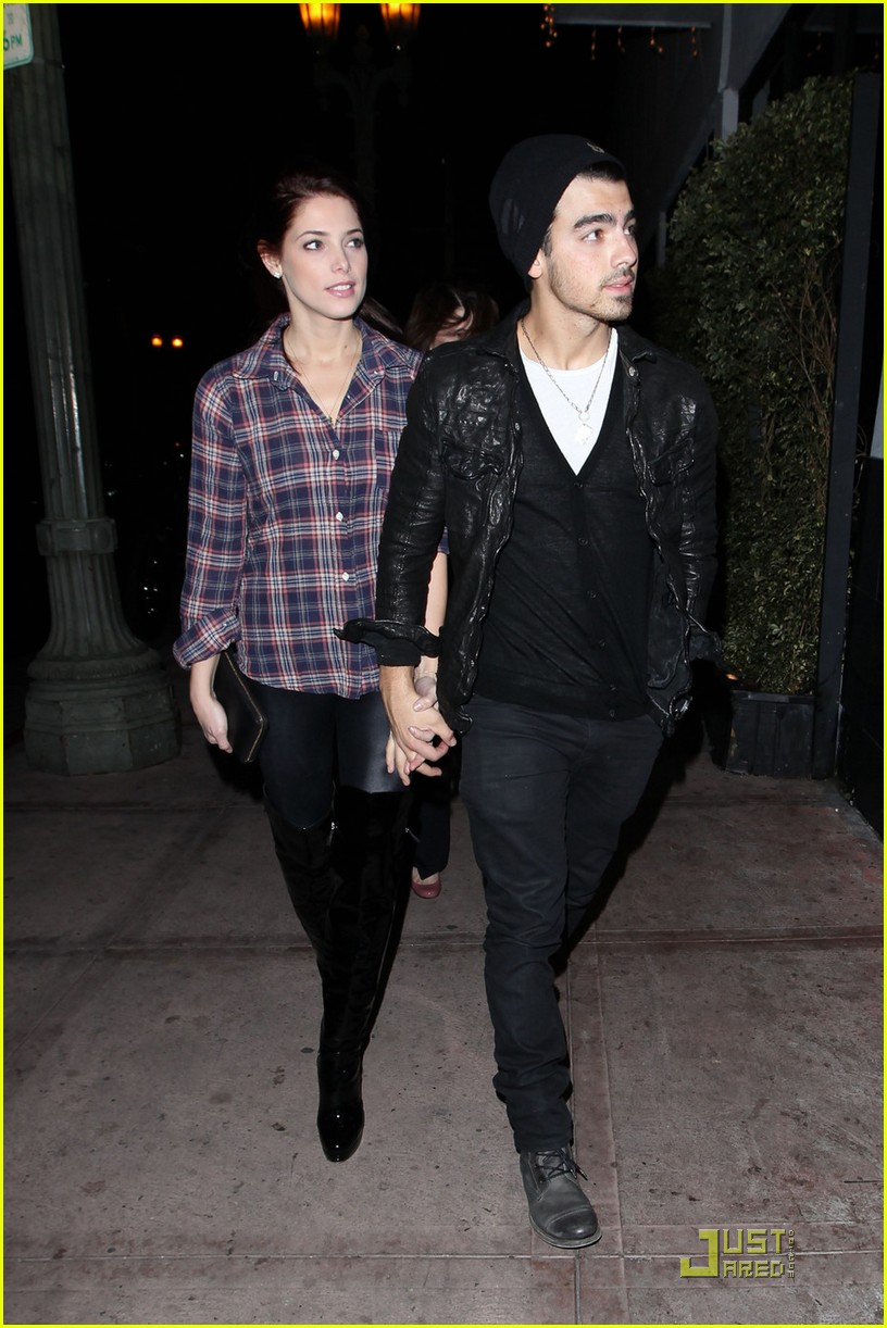 joe jonas ashley greene hollywood 17