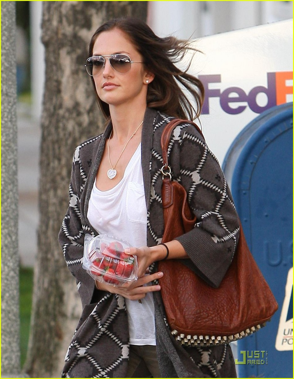 minka kelly strawberry sweet 01