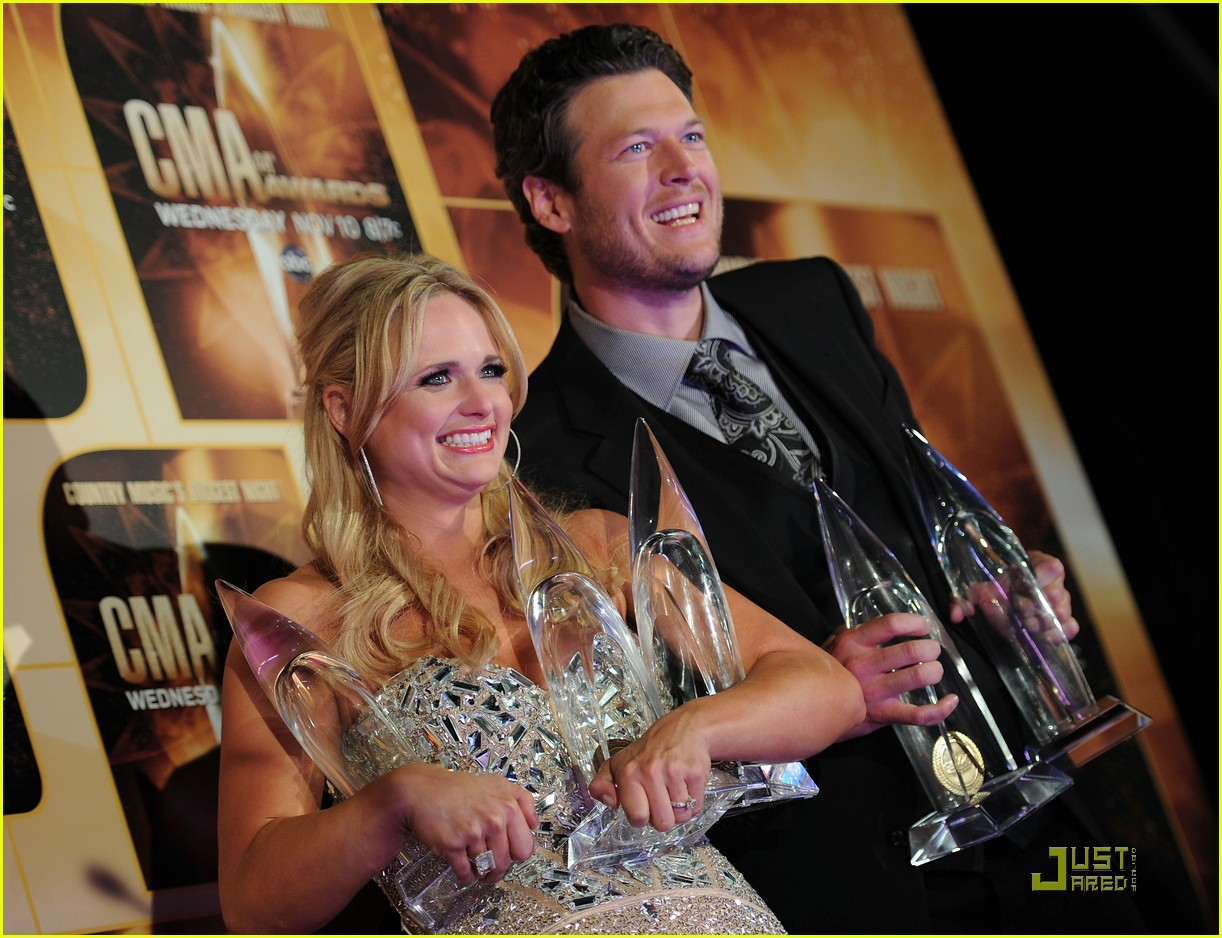 miranda lambert lady antebellum cma award winners 25