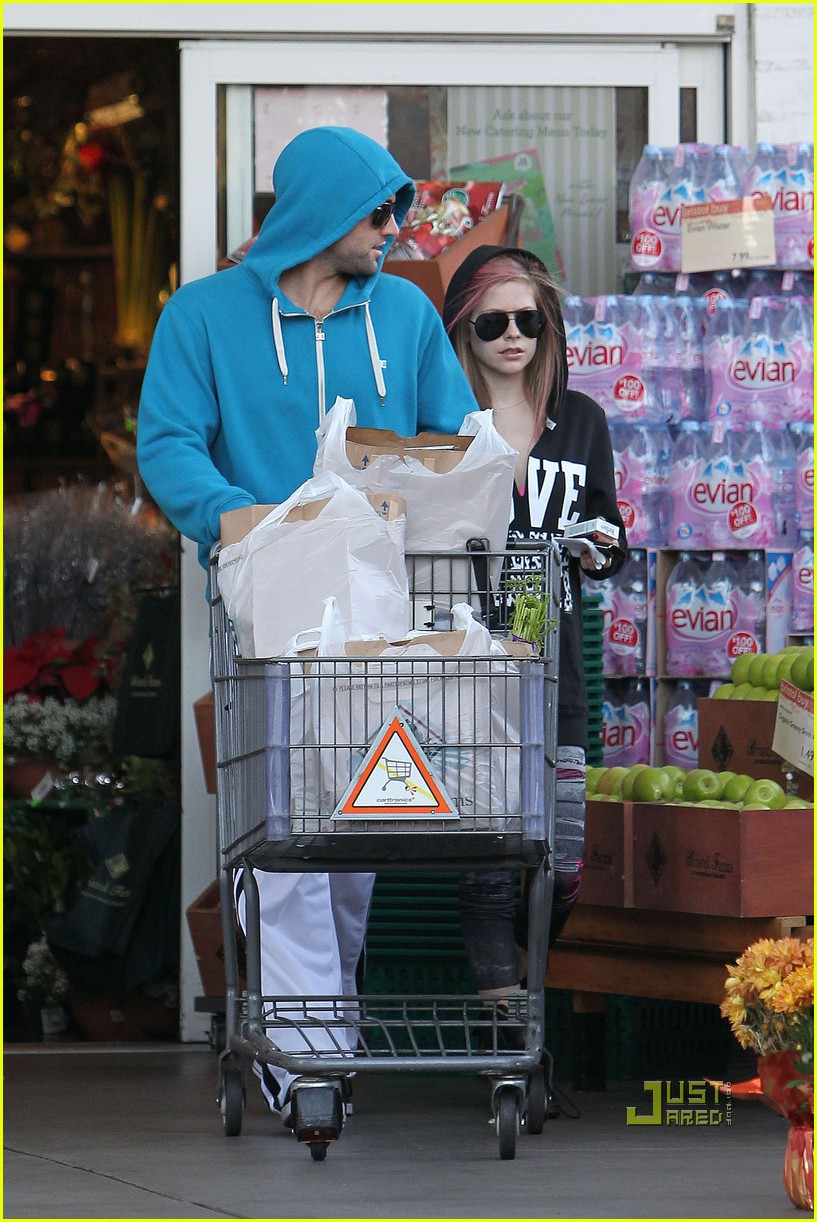 avril lavigne hoodies aviators groceries 10