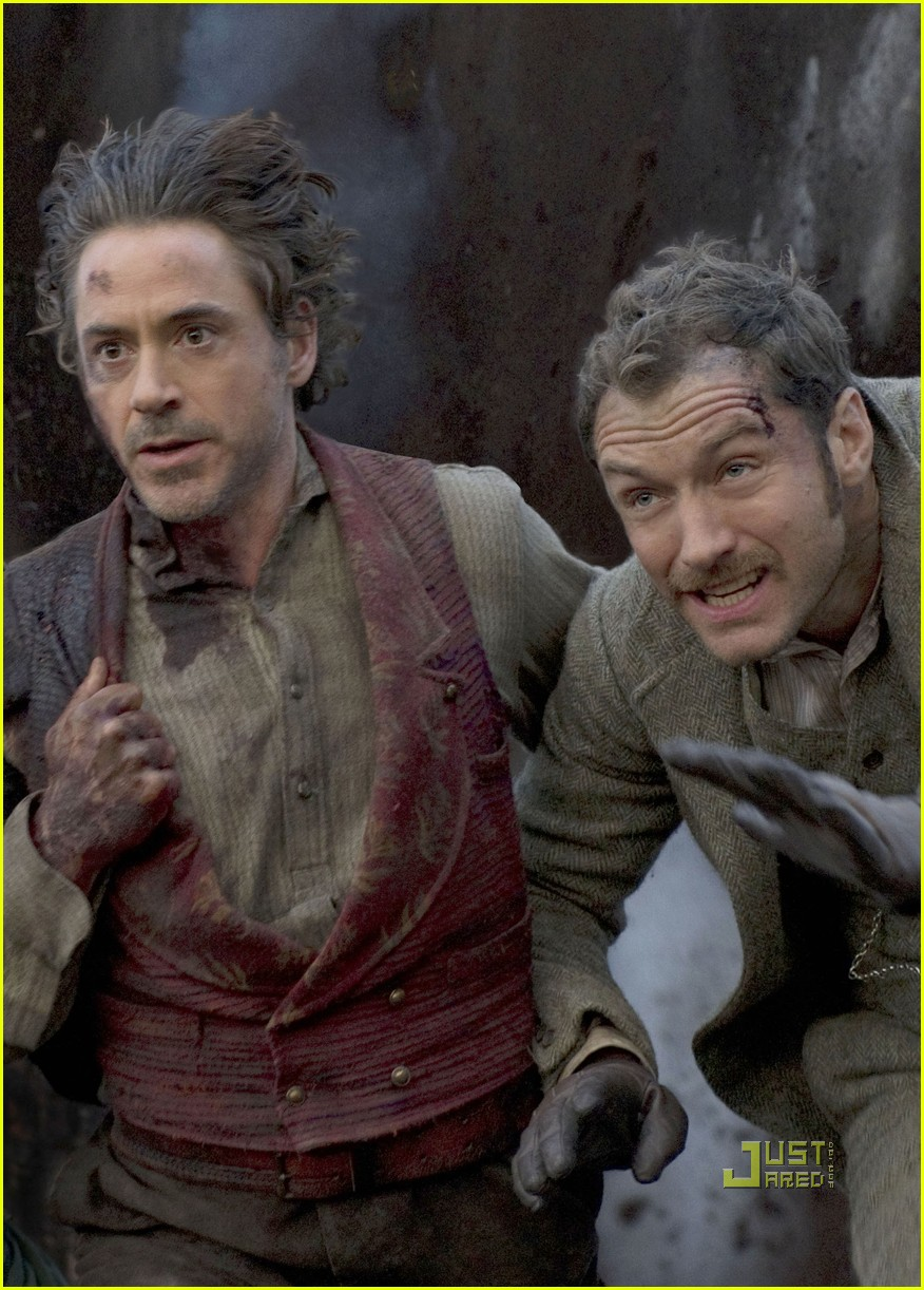 jude law robert downey jr sherlock holmes still 01