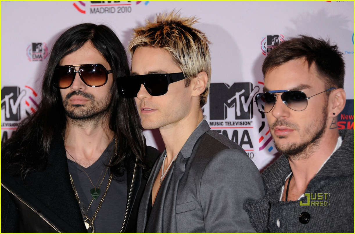 jared leto 30 seconds to mars 2010 mtv emas red carpet 032493479