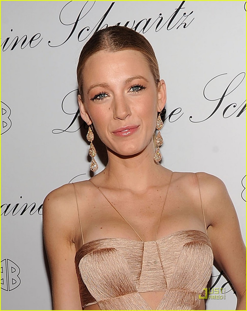 blake lively 2bhappy 04