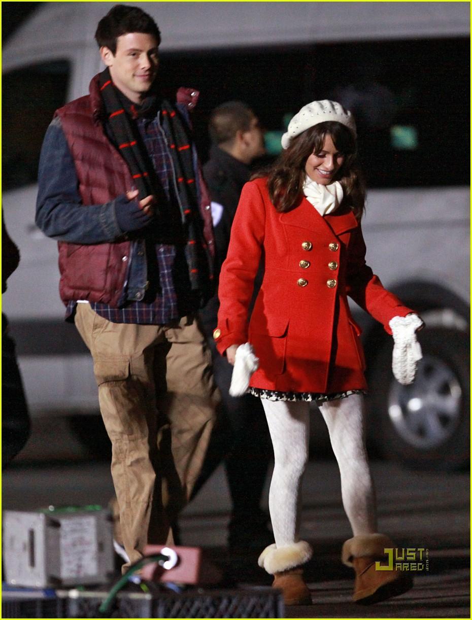 Lea Michele & Cory Monteith: Christmas Kiss!: Photo 2496814   Cory ...