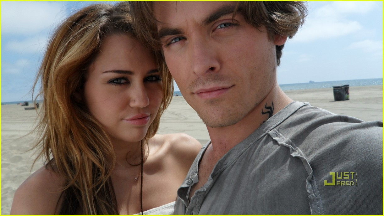 miley cyrus kevin zegers big bang 012492293