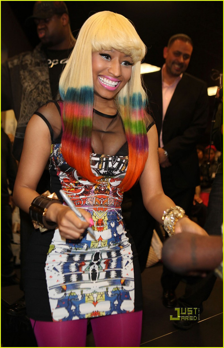 nicki minaj rainbow hair at album signing 022498199